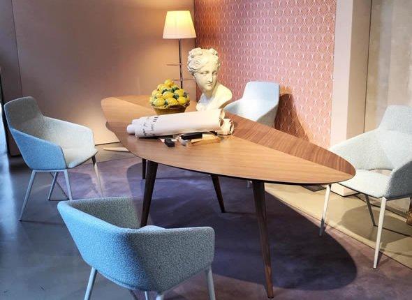 Salone del mobile tavolo